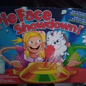 🃏Pie Face Showdown New in Box